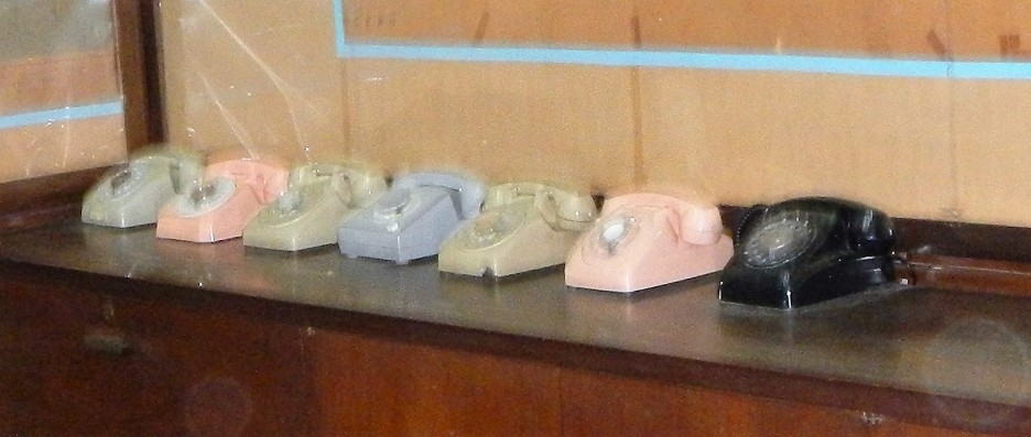 Phones used to call military and world leaders during the war